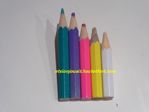 broche crayons.jpg